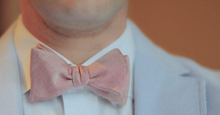 Trendy outfity do spoločnosti - aké sú súčasné trendy v elegantnom oblečení pre pánov?